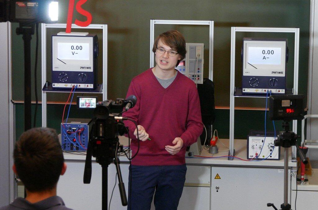 """""""Physik mit c"""" – der Lernvideokanal des Schloß-Gymnasiums"""